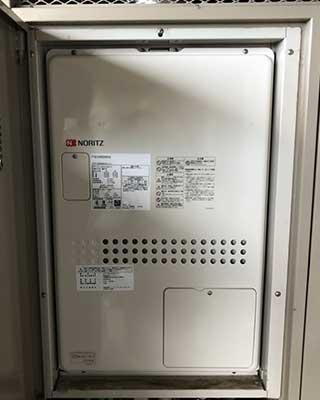 2020年10月20日、川崎市宮前区にお住まいN様宅のTES熱源機、東京ガス「IT-4201ARS9-AW3Q(RUFH-V2400AU2-3)」をノーリツ「GTH-2444AWX3H-H-1 BL」にお取替させていただきました。