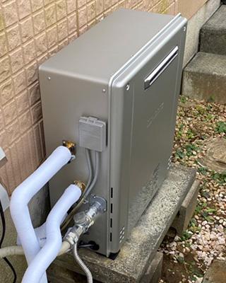 2021年10月21日、千葉県市川市にお住まいN様宅のガス給湯器、ガスター「YRUF-A2400SAG」をノーリツ「GT-C2462SARX-2 BL」にお取替させていただきました。